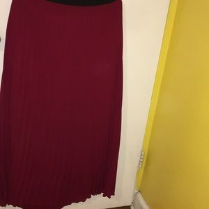 Beautiful. Maroon  color I have. Others  skirt